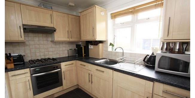 £1,250 per Calendar Month, 2 Bedroom Maisonette Apartment To Rent in Bromley, BR2
