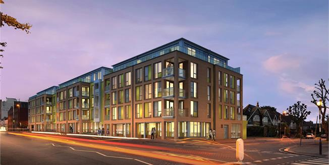 Guide Price £180,250, 2 Bedroom Flat For Sale in North Finchley, N12