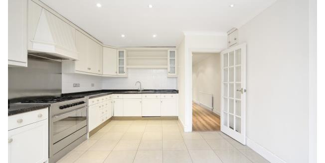 £3,800 per Calendar Month, 4 Bedroom House To Rent in Weybridge, KT13
