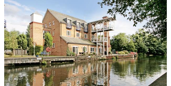 £5,000 per Calendar Month, 2 Bedroom Apartment To Rent in Weybridge, KT13
