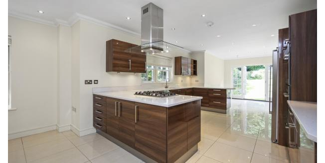 £4,750 per Calendar Month, 5 Bedroom House To Rent in Weybridge, KT13
