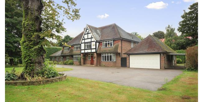 £4,950 per Calendar Month, 4 Bedroom House To Rent in Hersham, KT12