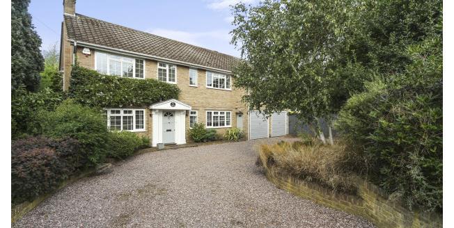 £5,750 per Calendar Month, 5 Bedroom House To Rent in Weybridge, KT13