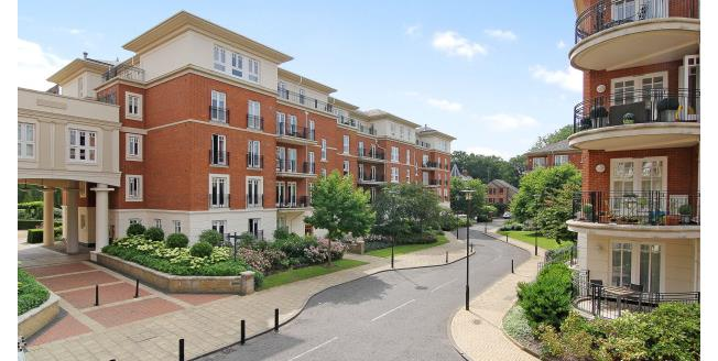 £3,500 per Calendar Month, 3 Bedroom Apartment To Rent in Richmond, TW1