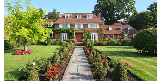 £8,950 per Calendar Month, 6 Bedroom Detached House To Rent in Esher, KT10