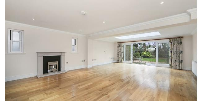 £2,995 per Calendar Month, 5 Bedroom Semi Detached House To Rent in East Molesey, KT8