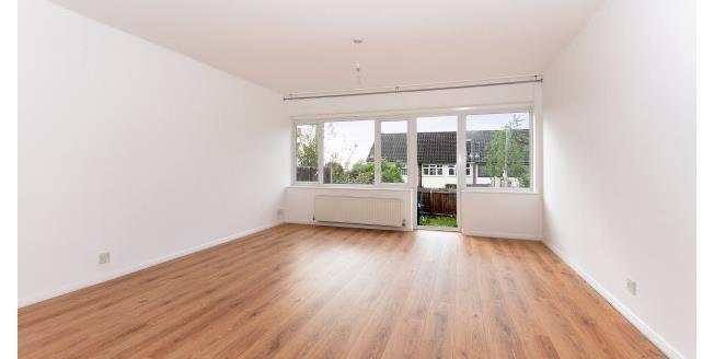 £1,300 per Calendar Month, 2 Bedroom House To Rent in Loughton, IG10