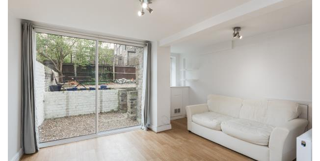 £1,733  per Calendar Month (Calculated), 2 Bedroom House To Rent in London, W12