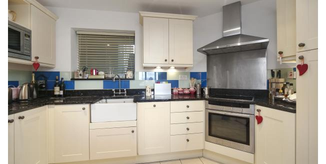 £2,383  per Calendar Month (Calculated), 2 Bedroom Apartment To Rent in London, W4