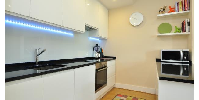 £2,383  per Calendar Month (Calculated), 3 Bedroom Apartment To Rent in London, W4