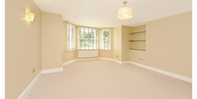 £3,488  per Calendar Month (Calculated), 3 Bedroom Flat To Rent in London, W11