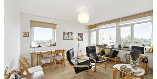 £2,275  per Calendar Month (Calculated), 2 Bedroom To Rent in London, SW18