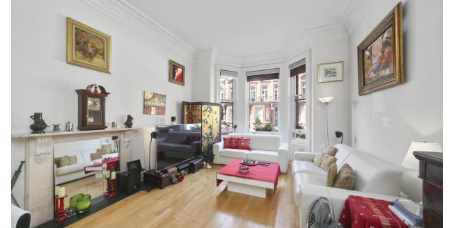 £4,008  per Calendar Month (Calculated), 3 Bedroom To Rent in London, SW7