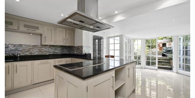 £7,366  per Calendar Month (Calculated), 3 Bedroom House To Rent in London, SW10