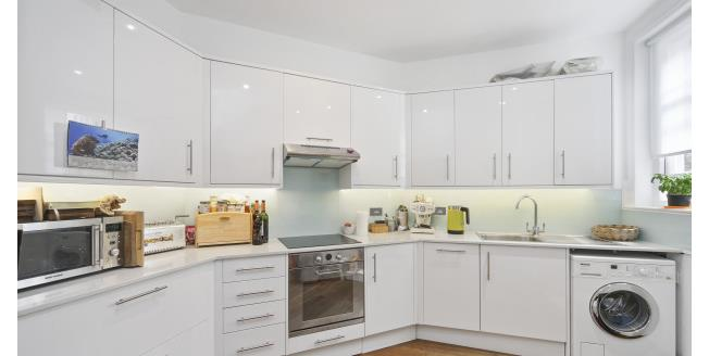 £3,250  per Calendar Month (Calculated), 4 Bedroom Flat To Rent in London, SW11