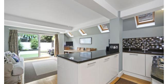£5,200  per Calendar Month (Calculated), 6 Bedroom House To Rent in London, SW6