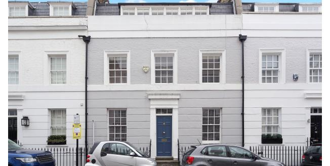 £4,008  per Calendar Month (Calculated), 3 Bedroom To Rent in London, SW3