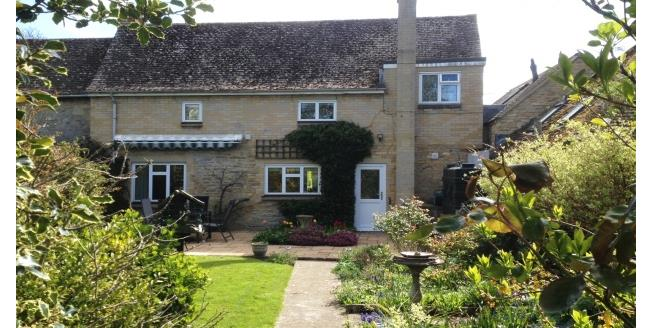£1,300 per Calendar Month, 3 Bedroom Cottage House To Rent in Kidlington, OX5