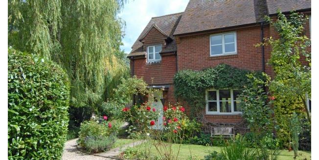 £1,250 per Calendar Month, 3 Bedroom End of Terrace House To Rent in Ewelme, OX10