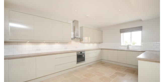 £1,375 per Calendar Month, 2 Bedroom House To Rent in Faringdon, SN7