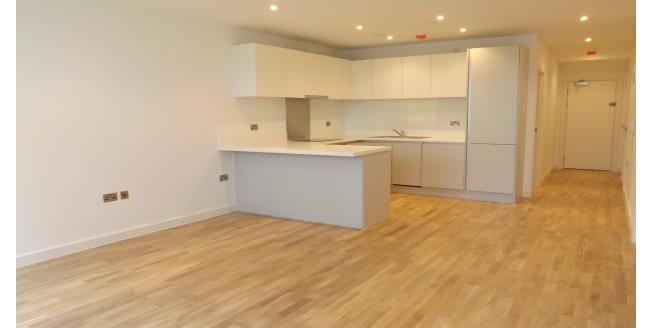 £1,100 per Calendar Month, 2 Bedroom Apartment To Rent in Horsham, RH12