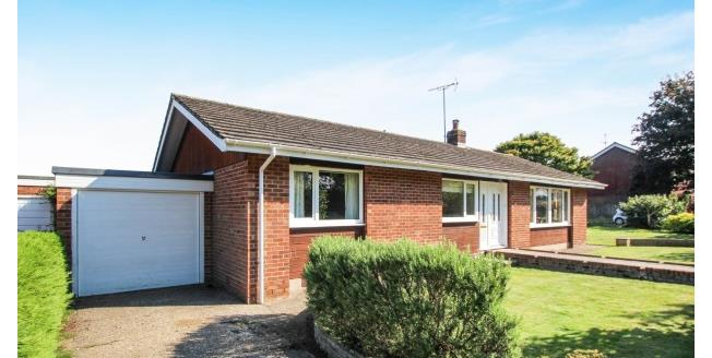 £1,550 per Calendar Month, 3 Bedroom Bungalow To Rent in Henfield, BN5