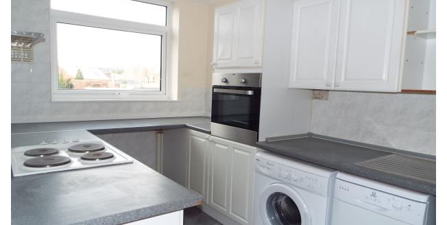 £950 per Calendar Month, 3 Bedroom Apartment To Rent in Worthing, BN14