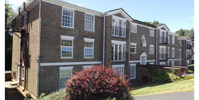 £850 per Calendar Month, 2 Bedroom Flat To Rent in Midhurst, GU29
