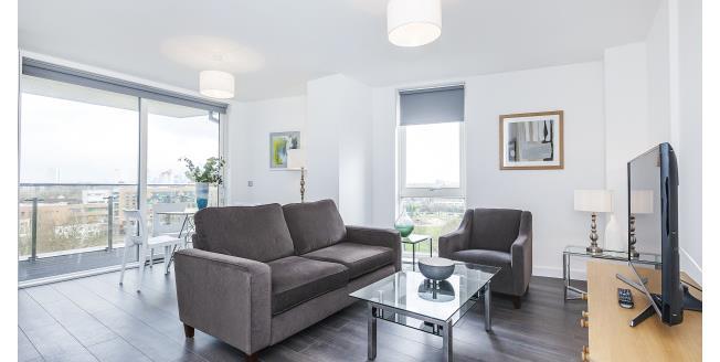 £1,650 per Calendar Month, 2 Bedroom Flat To Rent in London, SE14