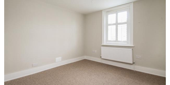 £725 per Calendar Month, Apartment To Rent in Beckenham, BR3