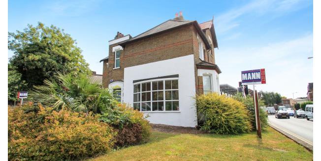 £750 per Calendar Month, Apartment To Rent in Beckenham, BR3