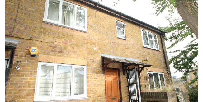£900 per Calendar Month, 1 Bedroom Apartment To Rent in London, SE28
