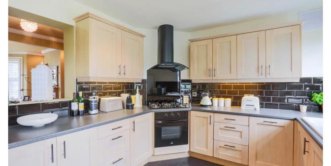 £1,650 per Calendar Month, 3 Bedroom To Rent in London, SE9