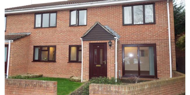 £600 per Calendar Month, 2 Bedroom Flat To Rent in Yeovil, BA20