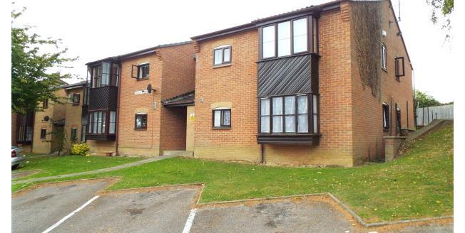 £380 per Calendar Month, 1 Bedroom Flat To Rent in Yeovil, BA21