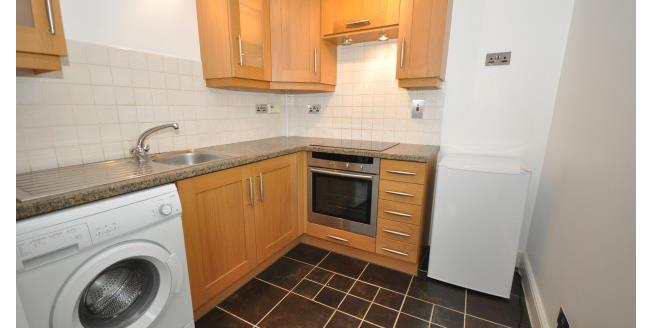 £775 per Calendar Month, 2 Bedroom Apartment To Rent in Chatham, ME4