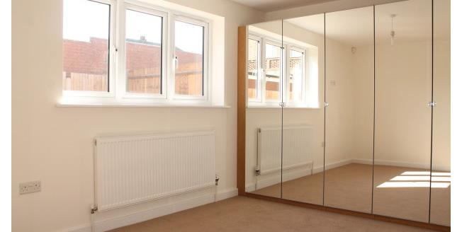 £850 per Calendar Month, 2 Bedroom Apartment To Rent in Gravesend, DA12