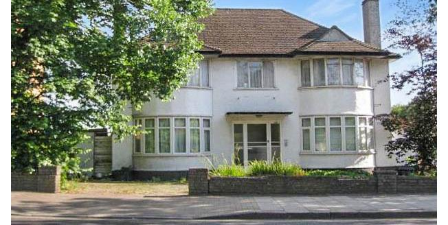 £1,250 per Calendar Month, 2 Bedroom Maisonette Apartment To Rent in Bromley, BR1