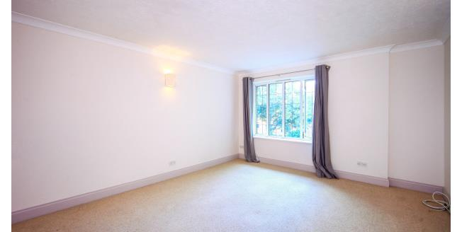 £950 per Calendar Month, 1 Bedroom Flat To Rent in Sutton, SM2