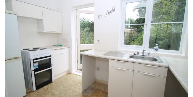 £1,175 per Calendar Month, 2 Bedroom House To Rent in South Nutfield, RH1