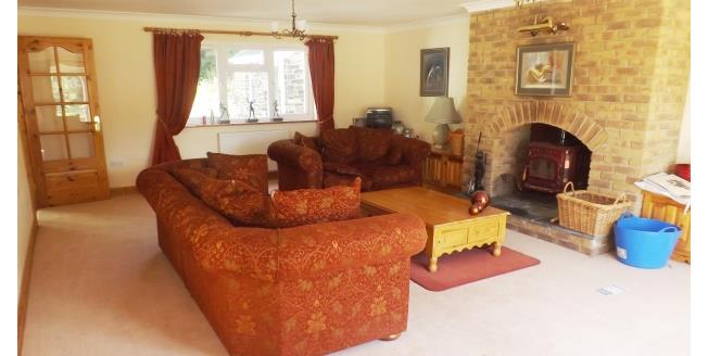 £1,800 per Calendar Month, 6 Bedroom House To Rent in Truro, TR4