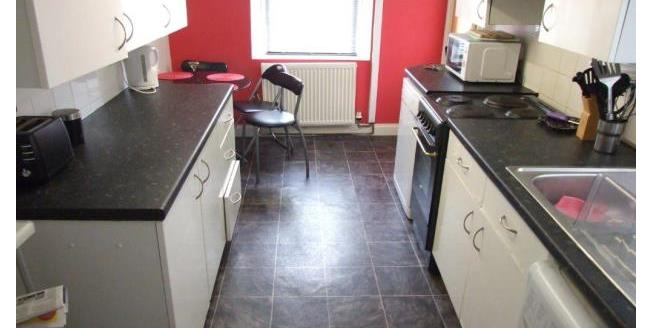 £1,200 per Calendar Month, 4 Bedroom House To Rent in Plymouth, PL4