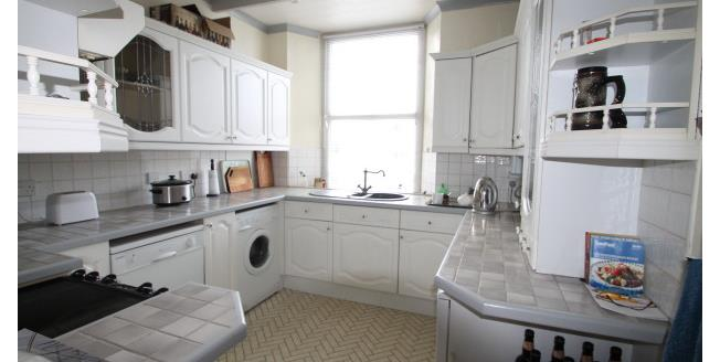 £450 per Calendar Month, 1 Bedroom Flat To Rent in Plymouth, PL1