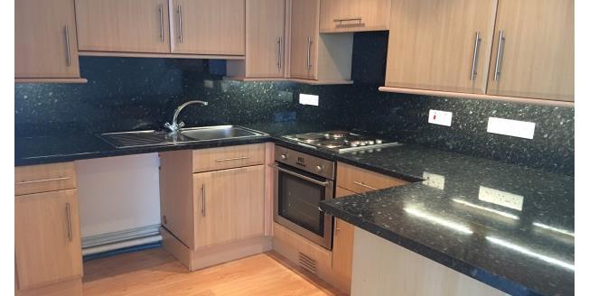 £550 per Calendar Month, 1 Bedroom Flat To Rent in Penzance, TR18