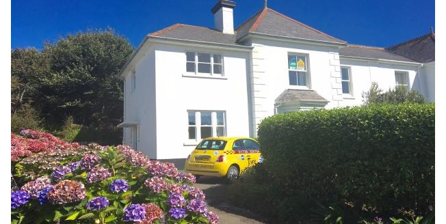 £700 per Calendar Month, 3 Bedroom Apartment To Rent in Penzance, TR19