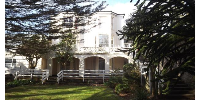 £650 per Calendar Month, 2 Bedroom Flat To Rent in Torquay, TQ1