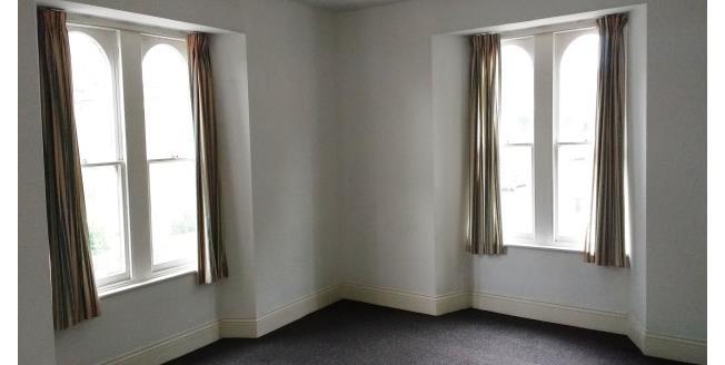 £375 per Calendar Month, 1 Bedroom Flat To Rent in Camborne, TR14