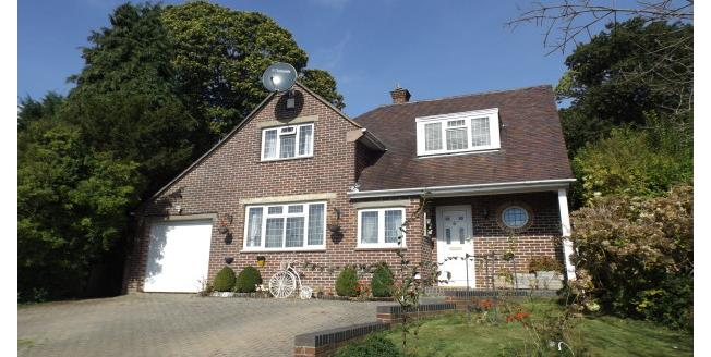 £1,750 per Calendar Month, 4 Bedroom Detached House To Rent in Southampton, SO16