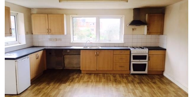 £1,500 per Calendar Month, 4 Bedroom House To Rent in Southampton, SO17