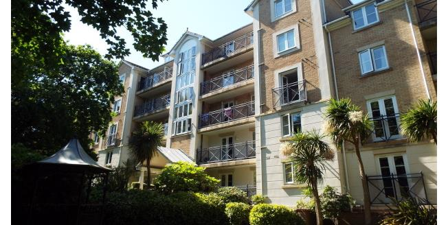 £975 per Calendar Month, 2 Bedroom Flat To Rent in Bournemouth, BH1
